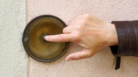 Haustürgeschäfte: unseriöse, betrügerische Steinreiniger Dachreiniger im Reisegewerbe